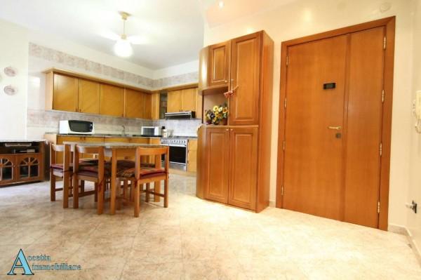 Appartamento in vendita a Taranto, Residenziale, 69 mq