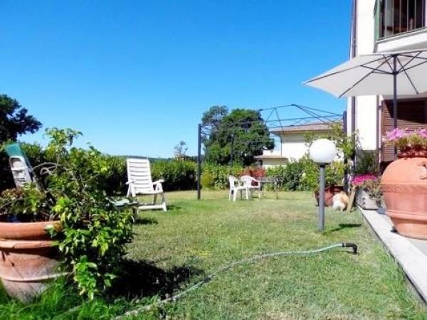 Villetta a schiera in vendita a Città di Castello, Titta, Con giardino, 150 mq