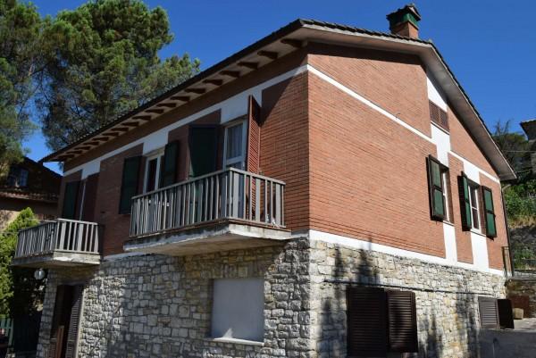Casa indipendente in vendita a Passignano sul Trasimeno, Castel Rigole, Con giardino, 200 mq
