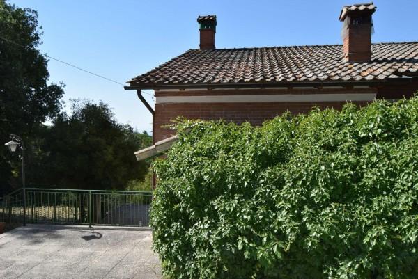 Casa indipendente in vendita a Passignano sul Trasimeno, Castel Rigole, Con giardino, 200 mq - Foto 5