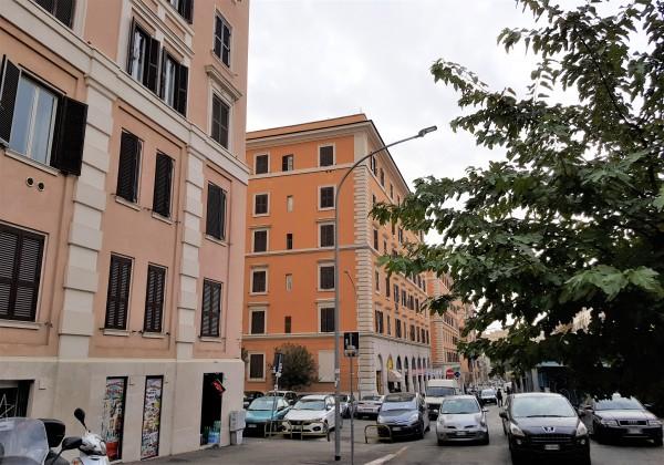 Locale Commerciale  in vendita a Roma, Re Di Roma, 35 mq