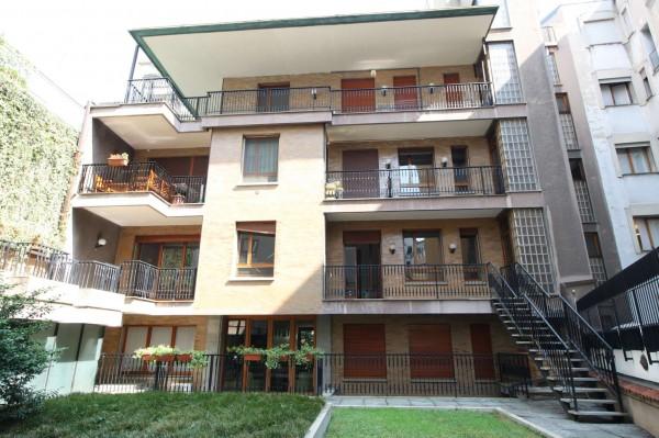 Appartamento in vendita a Milano, Cadorna, Con giardino, 73 mq