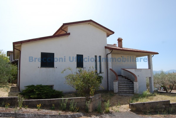 Villa in vendita a Trevi, Bovara, Con giardino, 300 mq