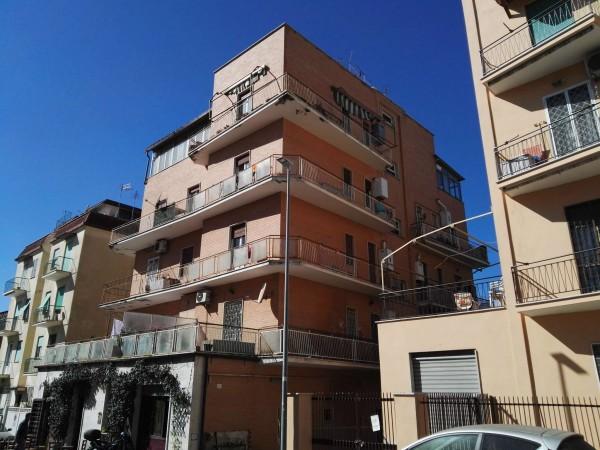 Appartamento in vendita a Roma, Pineta Sacchetti, 103 mq