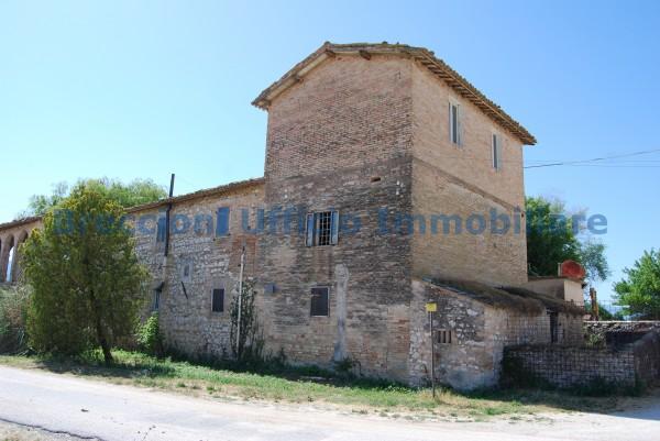Rustico/Casale in vendita a Trevi, Frazione, Con giardino, 300 mq - Foto 2