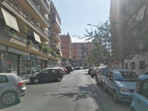 Locale Commerciale  in vendita a Roma, Gregorio Vii, 280 mq - Foto 3