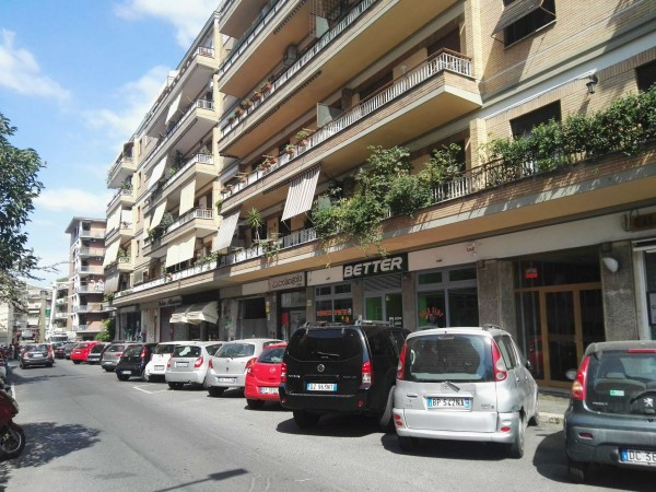 Locale Commerciale  in vendita a Roma, Gregorio Vii, 180 mq - Foto 4