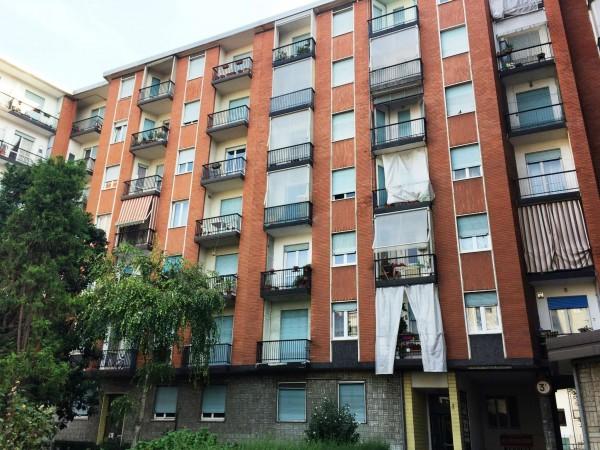 Appartamento in vendita a Torino, Via Borgaro, Con giardino, 60 mq