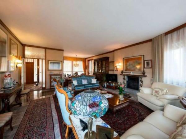 Villa in vendita a Varese, Arredato, con giardino, 530 mq - Foto 1