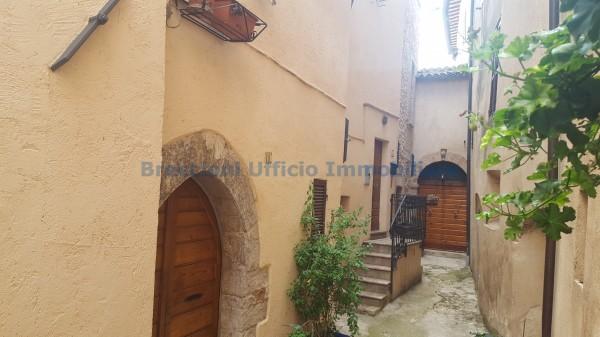 Appartamento in vendita a Trevi, Centrale, 90 mq - Foto 1