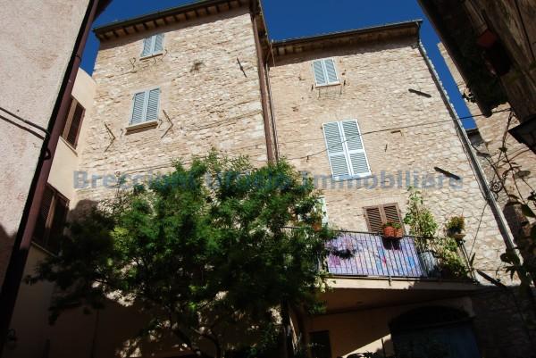 Appartamento in vendita a Trevi, Centrale, 90 mq - Foto 2