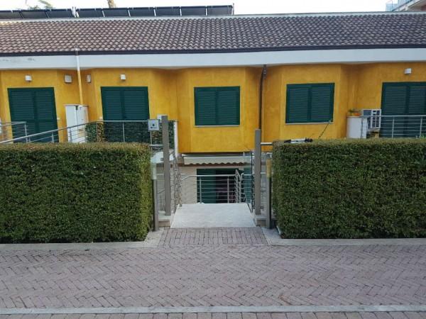 Appartamento in vendita a Roma, Bravetta Portuense, Con giardino, 60 mq