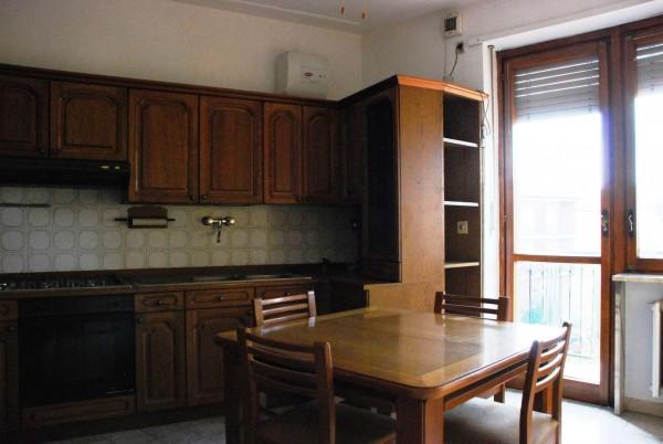 Appartamento in vendita a Vinovo, Centro Paese, Con giardino, 80 mq