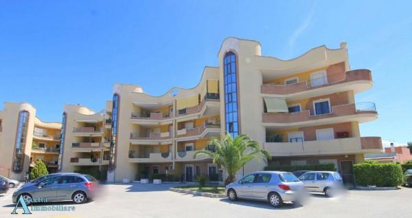 Appartamento in vendita a Taranto, Residenziale, Con giardino, 104 mq