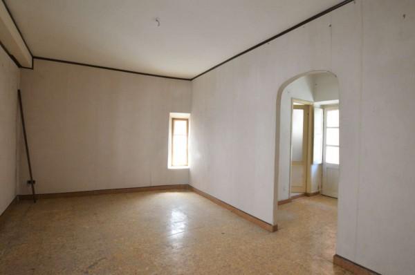 Casa indipendente in vendita a Avigliana, Centro, Con giardino, 220 mq