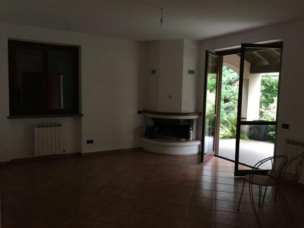 Villa in vendita a Cittiglio, Con giardino, 210 mq