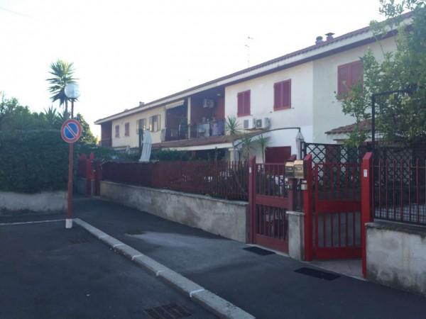 Villetta a schiera in vendita a Sant'Anastasia, Con giardino, 200 mq