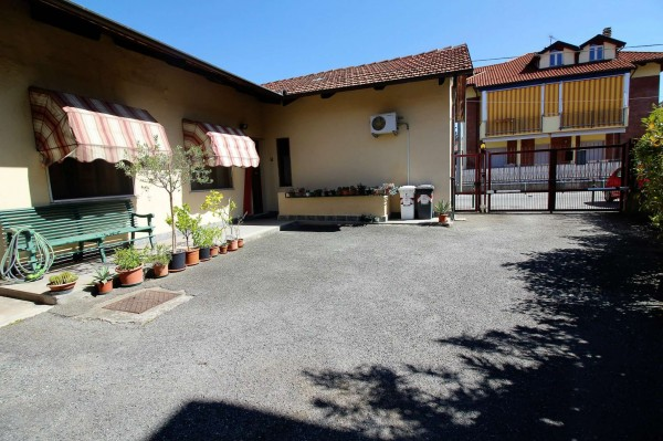 Casa indipendente in vendita a Alpignano, Centro, Con giardino, 99 mq
