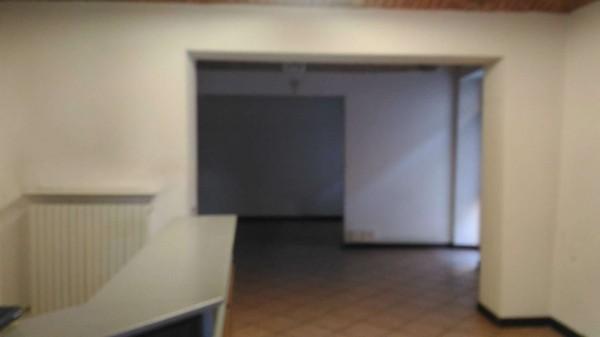 Negozio in affitto a Alessandria, Centro, 180 mq