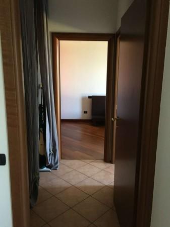 Appartamento in vendita a Azzate, Centro, Arredato, con giardino, 65 mq - Foto 8