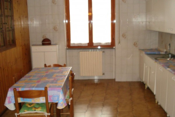 Appartamento in vendita a Cesate, 55 mq