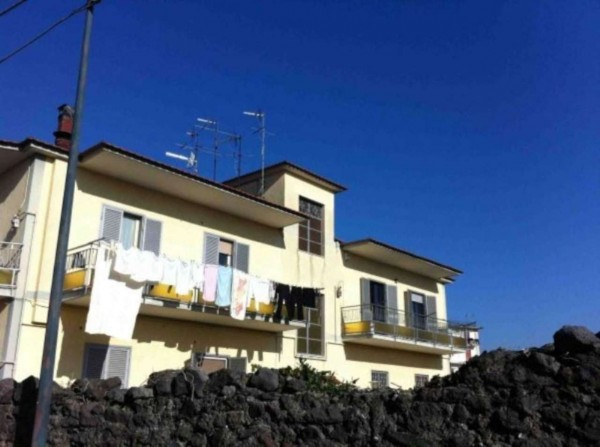 Appartamento in vendita a Pollena Trocchia, 110 mq