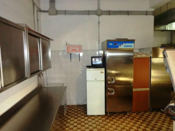 Locale Commerciale  in vendita a Roma, Casal Del Marmo, Arredato, 140 mq - Foto 3