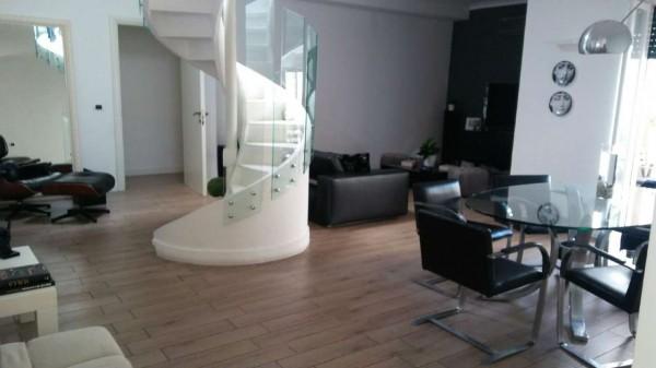 Appartamento in vendita a Napoli, 155 mq