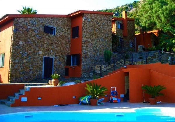 Villa in vendita a San Teodoro, Con giardino, 450 mq - Foto 1