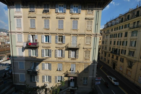 Appartamento in vendita a Genova, 203 mq
