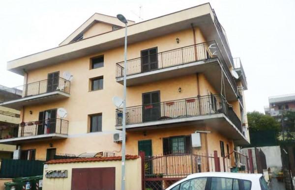 Appartamento in vendita a Roma, Prato Fiorito, Con giardino, 55 mq