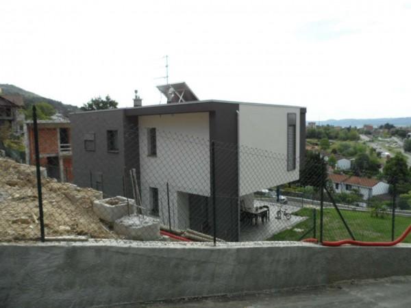 Villa in vendita a Gavirate, Con giardino, 220 mq