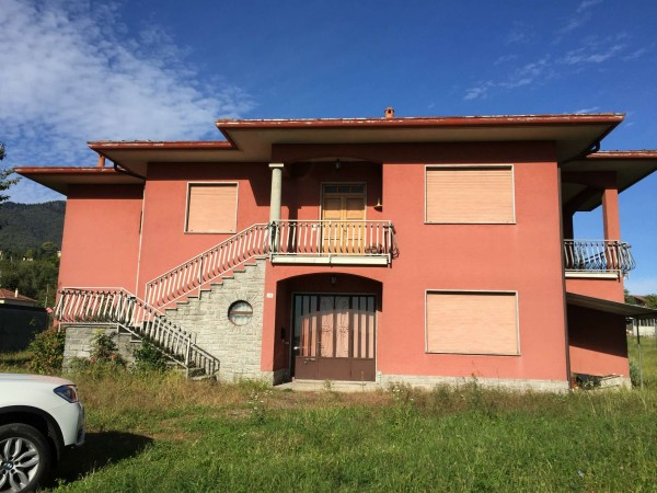 Villa in vendita a Gavirate, Con giardino, 240 mq