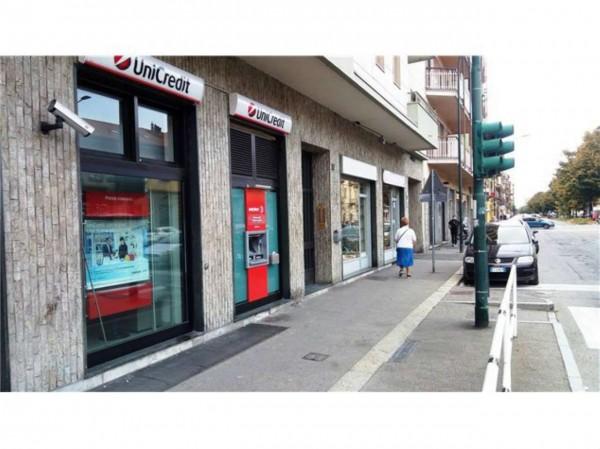 Negozio in vendita a Torino, Madonna Di Campagna, 64 mq