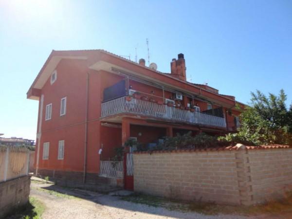 Appartamento in vendita a Pomezia, Semicentro, 90 mq
