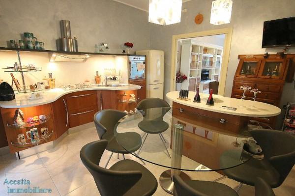 Appartamento in vendita a Taranto, Residenziale, Con giardino, 126 mq - Foto 14