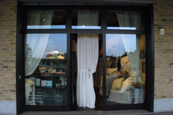 Negozio in vendita a Vinovo, I Cavalieri, 92 mq