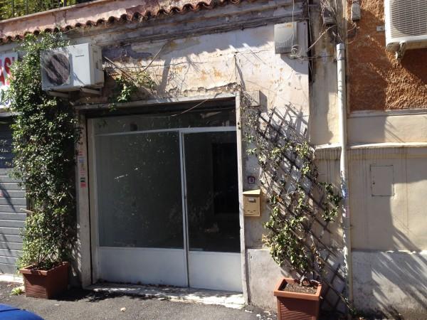 Negozio in affitto a Roma, Monte Verde Vecchio, 22 mq