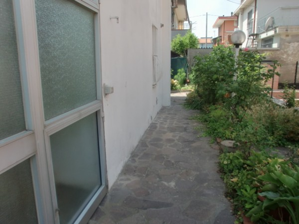 Casa indipendente in vendita a Rimini, Marebello, 250 mq - Foto 2