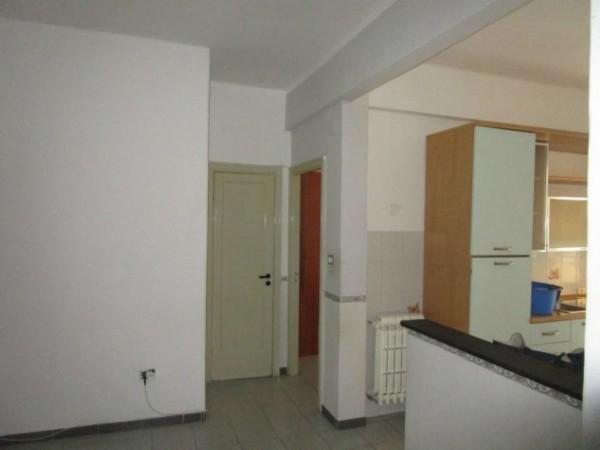 Appartamento in vendita a Genova, Lagaccio, 80 mq
