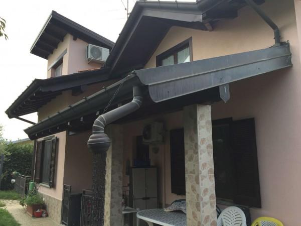 Villa in vendita a Caravate, Con giardino, 360 mq