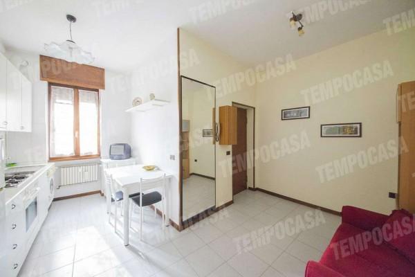 Appartamento in vendita a Milano, Affori Centro, 55 mq