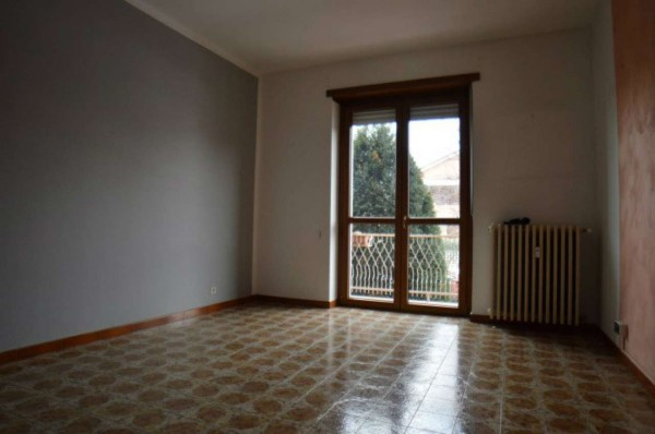 Appartamento in affitto a Orbassano, Con giardino, 55 mq