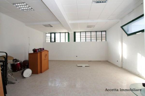 Locale Commerciale  in vendita a Taranto, Residenziale, Con giardino, 60 mq - Foto 5