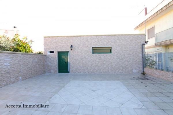 Locale Commerciale  in vendita a Taranto, Residenziale, Con giardino, 60 mq - Foto 1