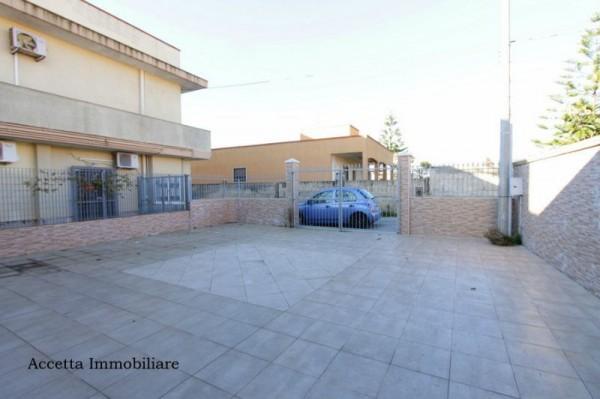 Locale Commerciale  in vendita a Taranto, Residenziale, Con giardino, 60 mq - Foto 8