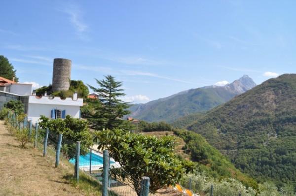 Casa indipendente in vendita a Fivizzano, Viano, 300 mq - Foto 1