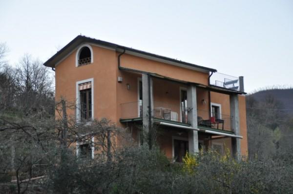 Casa indipendente in vendita a Bagnone, 230 mq