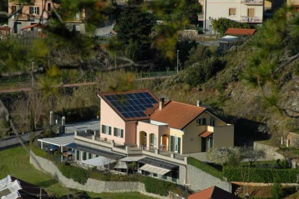 Villa in vendita a Casarza Ligure, Adiacenze Via Iv Novembre, Arredato, con giardino, 560 mq