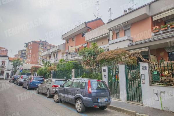 Villetta a schiera in vendita a Milano, Affori, Con giardino, 165 mq
